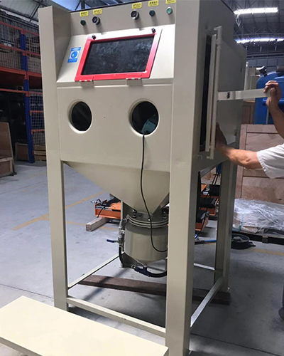 Environmentally friendly sandblasting machine