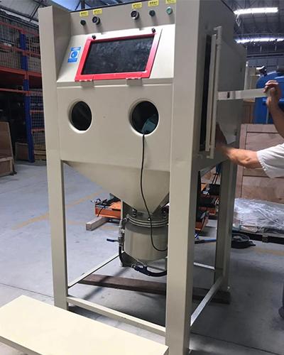 Environmentally friendly sandblasting machine